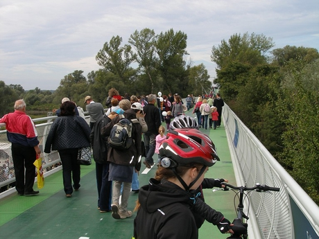 Cycling bridge