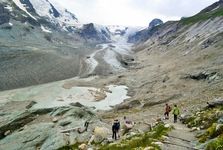 road to Pasterze glacier
